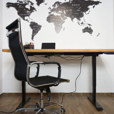 biurko czarny stelaż