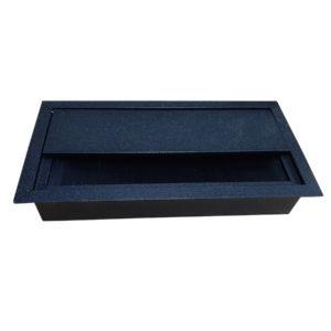 czarny aluminiowy przepust do biurka